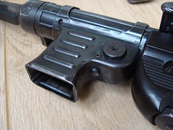 Magazine receiver late MP40 without grinded notch