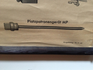 Platzpatronengerät MP40 taken from UT-112