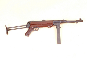 MP40 red Bakelit handgrips and foregrip