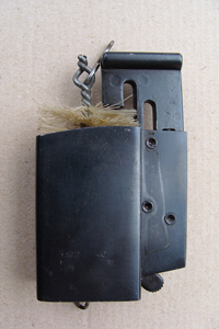 MP38 Magazineloader with magazine cleaning brush