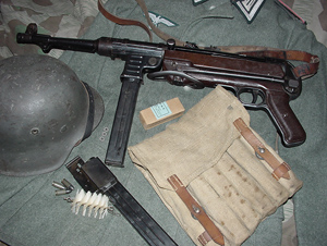 Late Steyr MP40 with original accessories