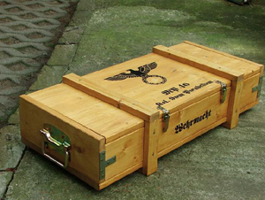 Reproduction MP40 transportation box (closed)